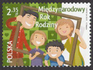 Międzynarodowy Rok Rodziny - znaczek nr 4527